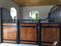 hinged-horse-stall
